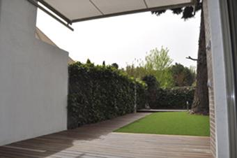 Parquet tarima interior y exterior tarima ipe p ca - Suelos jardin exterior ...